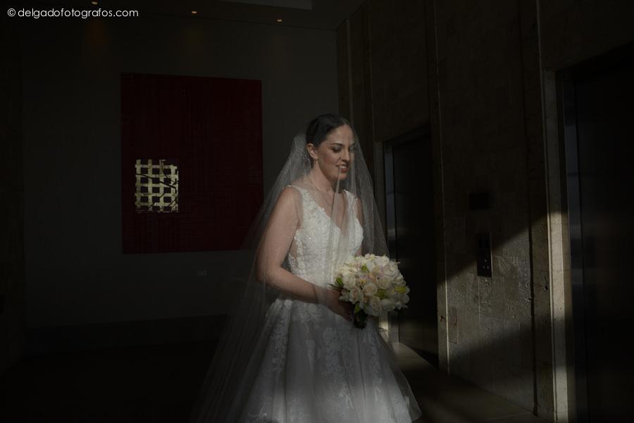 Bride in Hyatt Cartagena - Cartagena Photographer - Alvaro Delgado