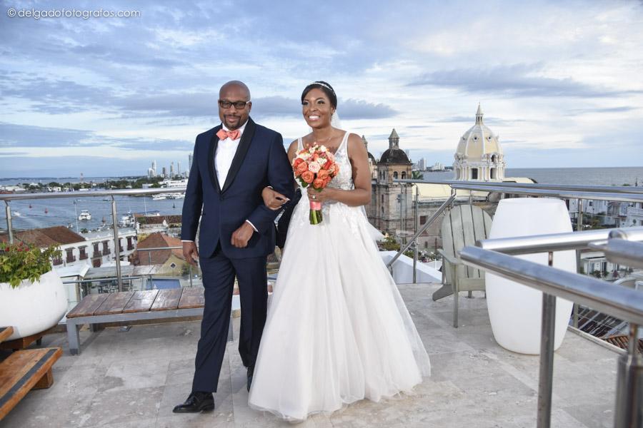 Cartagena weddings.  Iglesia de San Pedro. Hotel Movich.