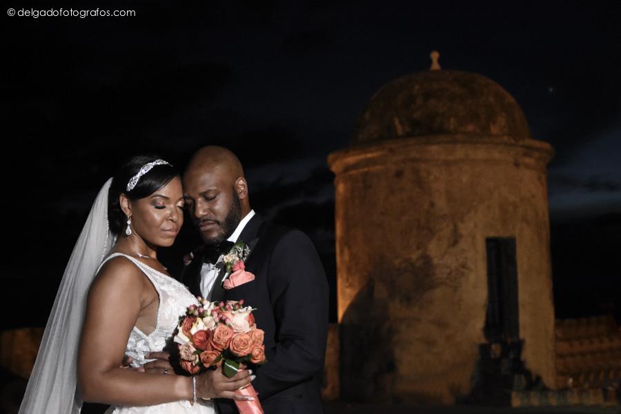 Sesión de fotos de recién casados en Cartagena. Photo session of newlyweds in Cartagena.
